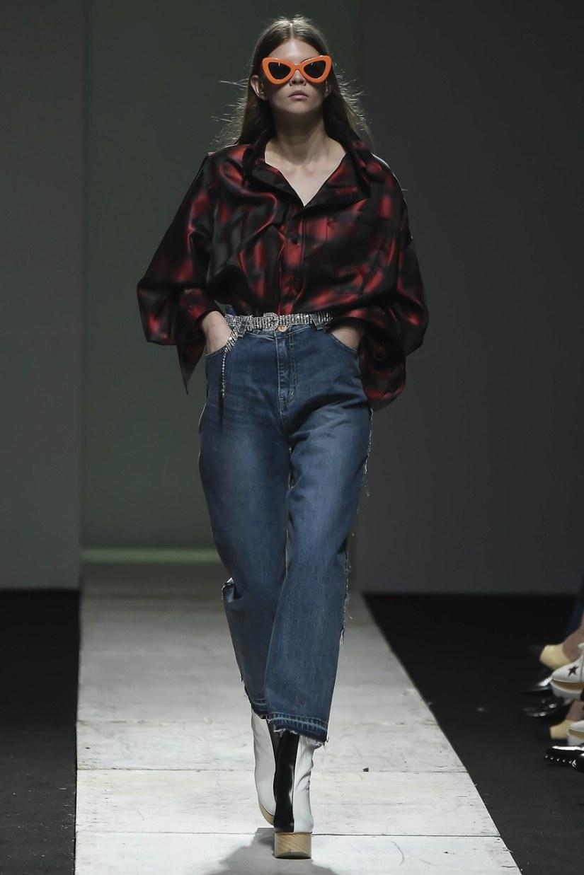 seoul fashion week ss17 pushbutton asks the big question bk10246 bk10302 bk10682 bk10407